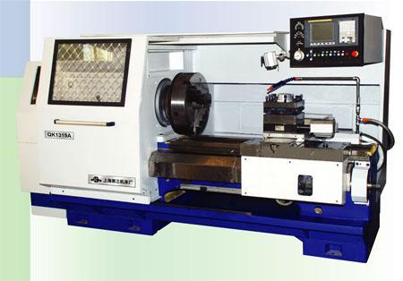 上海三机床展出数控管子螺纹车床QK1325